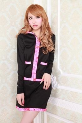 エミリアウィズをブログでチェック!愛沢えみりのエミリアウィズのドレスやジャージが超人気!