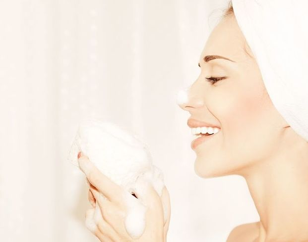 すっぴん美肌の秘訣を紹介!肌の手入れ一つでひどいすっぴん肌が美肌に生まれ変わる♡